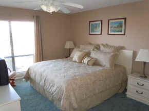 Bay Oaks Condo Bedroom