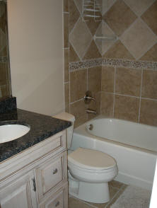 Bay Oaks Condo Bathroom