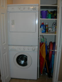 Bay Oaks Condo Laundry