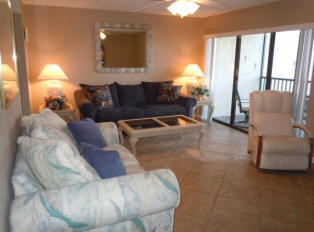 Bay Oaks Condo Living Room